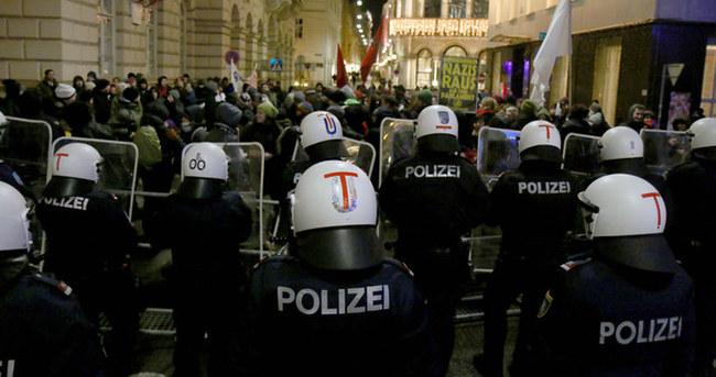 Avusturya'da balo gerginliği