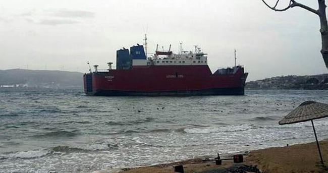 Lodos gemiyi karaya oturttu