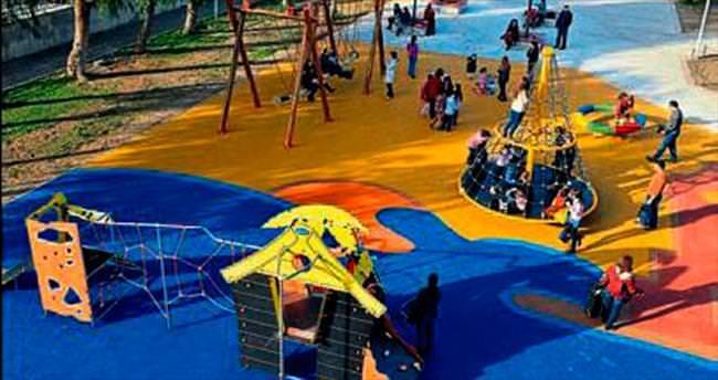 İzmir'e yeni çocuk parkları yapılacak