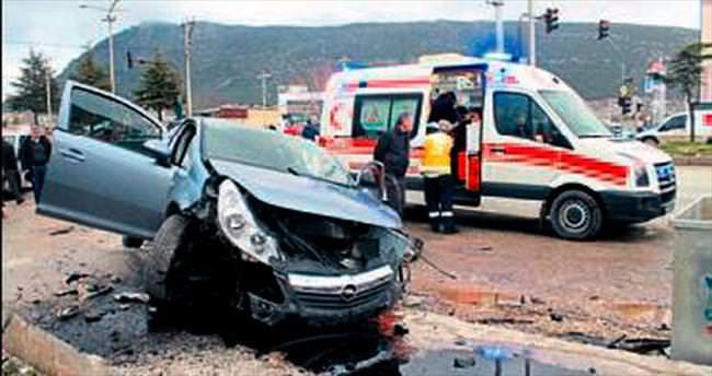 Burdur'daki kazada 6 kişi yaralandı