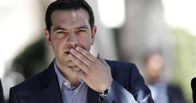 Aleksis Çipras o borçları ödeyecek!