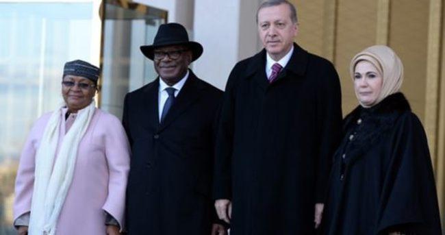 Emine Erdoğan ilk kez eşlik etti