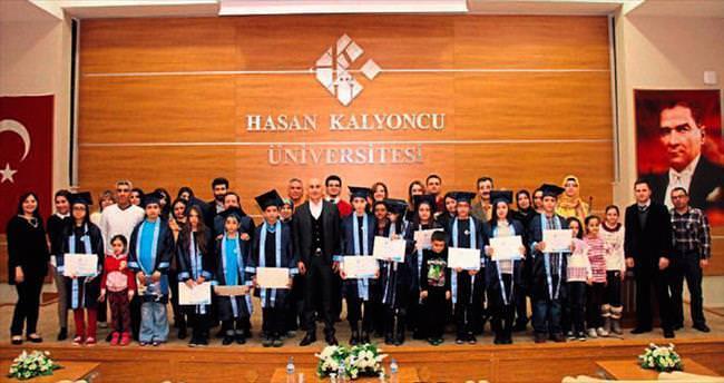 HKÜ Çocuk Üniversitesi'nde 4'üncü dönem mezun oldu