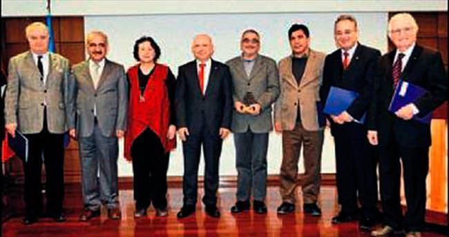Yetişkin Roman Ödülü verildi