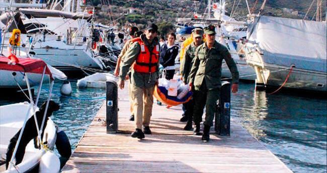 Mültecileri taşıyan tekne alabora oldu
