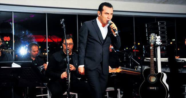 Ferhat Göçer'den müzik ziyafeti