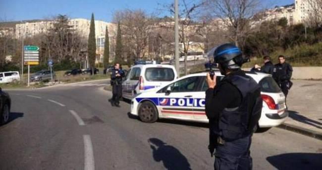 Fransa'da polise silahlı saldırı