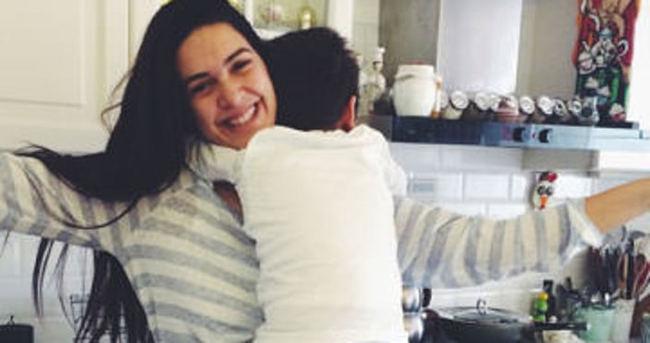 Bergüzar Korel: İyi ki doğurmuşum seni