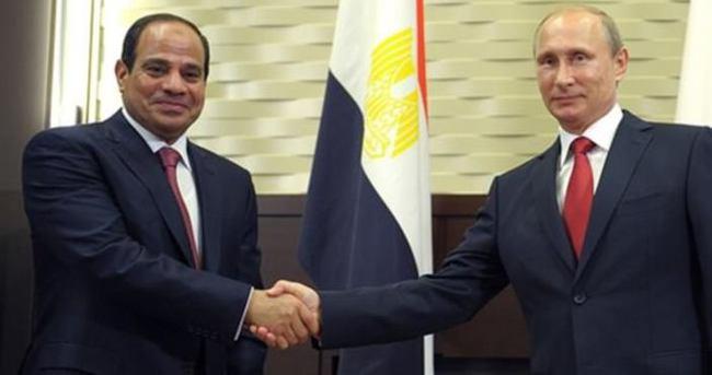 Putin Sisi ile Mısır'da görüştü