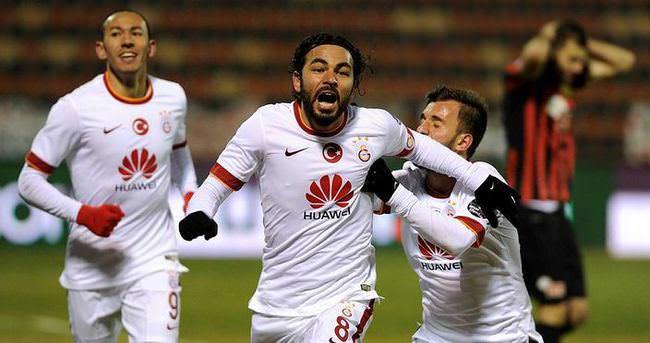 Selçuk İnan'dan Galatasaray'a 15 puan