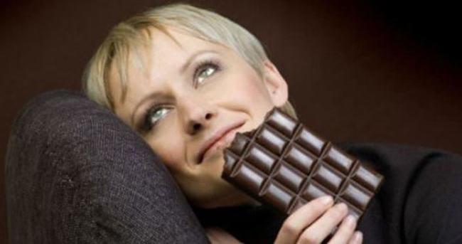 Çikolata yiyenler eşlerine yalan söylüyor