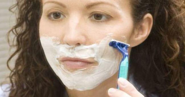 Kadınlar da tıraş oluyor