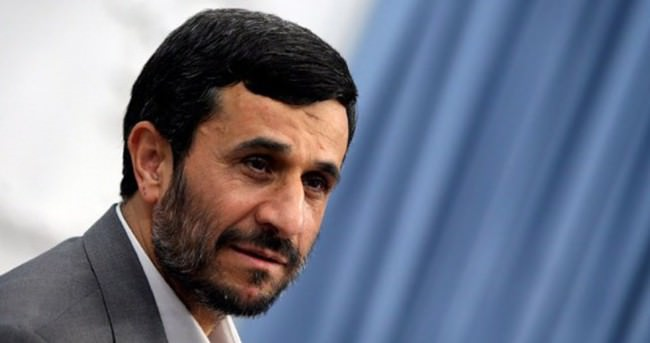 Ahmedinejad: Türklere karşı oturarak konuşmam