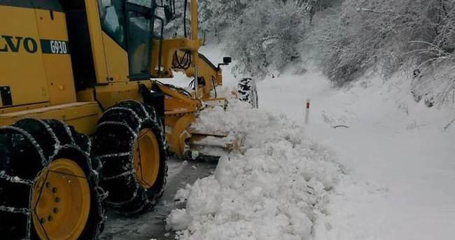 Kar yağışı ulaşımı olumsuz etkiliyor