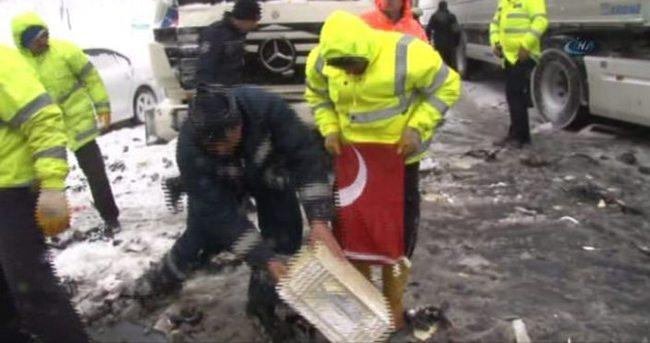 İşçi'den Türk bayrağına büyük saygı