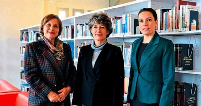 Siyasetteki İzmirli kadınlar kitap oldu
