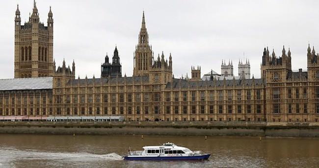İngiltere'de yeni terörle mücadele yasası