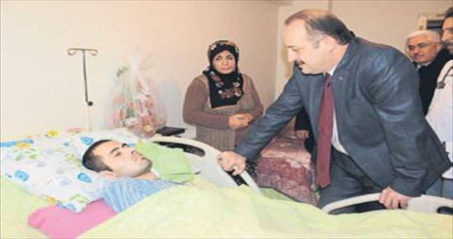 Akgül'den hasta ziyareti
