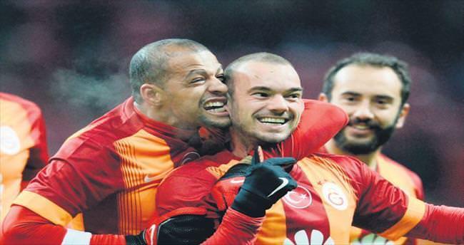 Sneijder'in kulağı tehlikede!