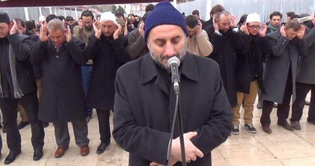 ABD'de öldürülen Müslümanlar için cenaze namazı