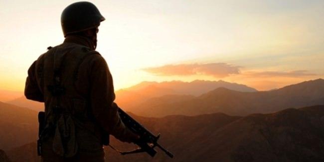Asker nöbet sırasında intihar etti!