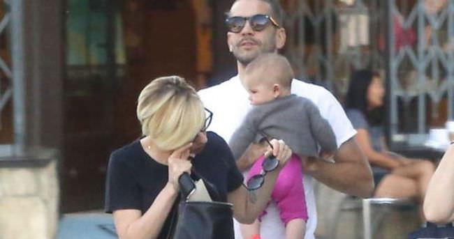 Scarlett Johansson'a annelik yaradı