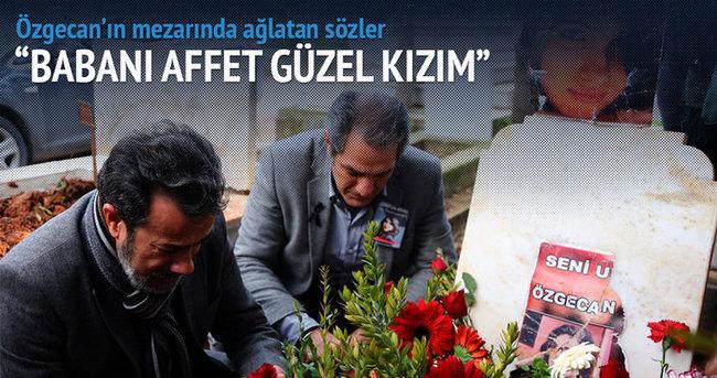Özgecan'ın mezarında ağlatan sözler!