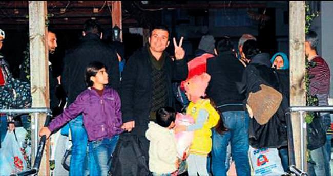 105 Suriyeli kampa geri gönderiliyor