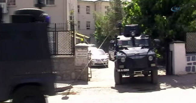 Siirt'teki operasyonda Ekrem Dumanlı'nın kardeşi gözaltına alındı