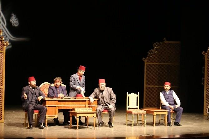 Afa'da 'Ahmet Vefik Paşa' Sahnelendi