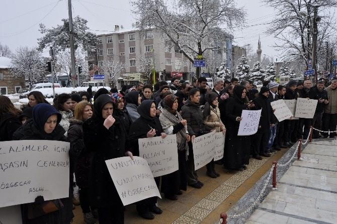 Yenişehir AK Parti Ve MHP Özgecan'ın Öldürülmesini Protesto Etti