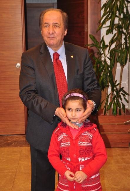 Cumhurbaşkanı Erdoğan'dan Minik Yağmura Tablet