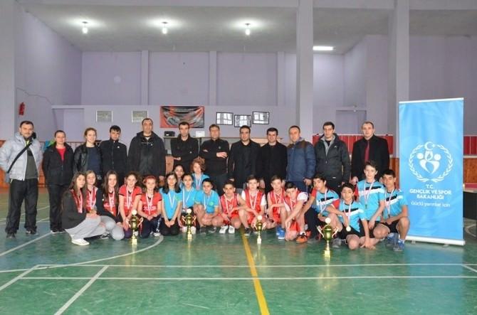 Yıldızlar Badminton Müsabakaları Sona Erdi