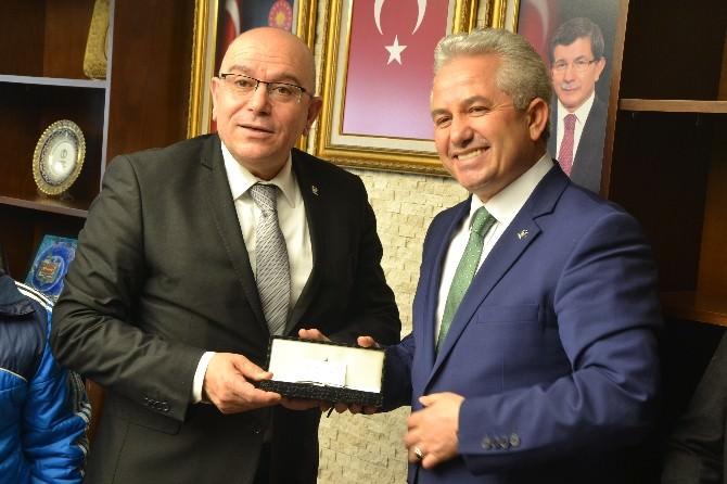 Suat Özsoy AK Parti'ye Başvurusunu Yaptı