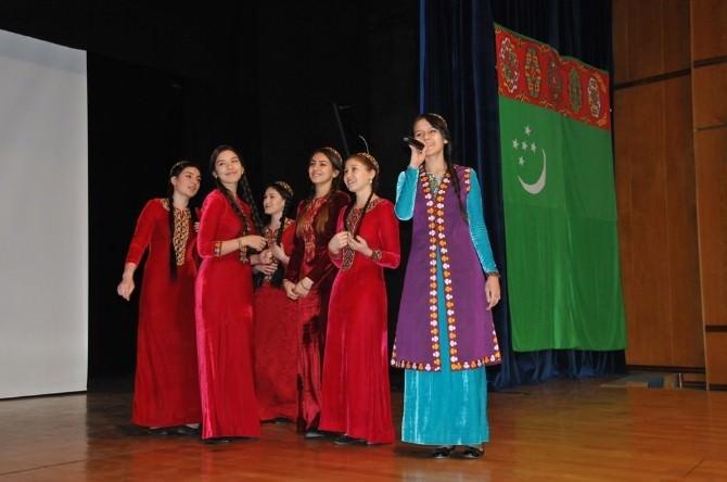 Türkmenistanlı Öğrenciler Özgürlük Gününde Buluştu