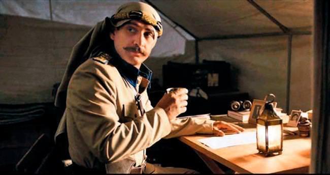 'Son Mektup' filmi için 'Tayyareci Yüzbaşı' oldu