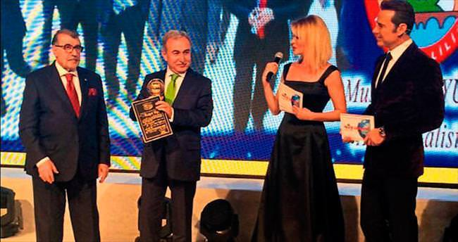 Vali Mustafa Büyük'e özel ödül