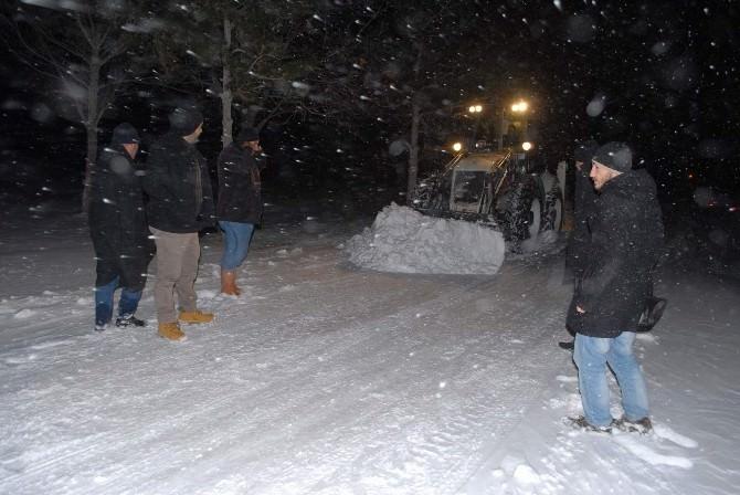 Bolvadin'de Kar Temizleme Çalışmalasrı