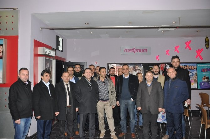 AK Partiler Sinemada Buluştu