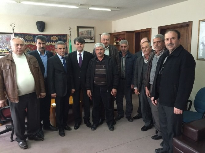 AK Partili Bozoğlu Seçim Çalışmalarını Hızla Sürdürüyor