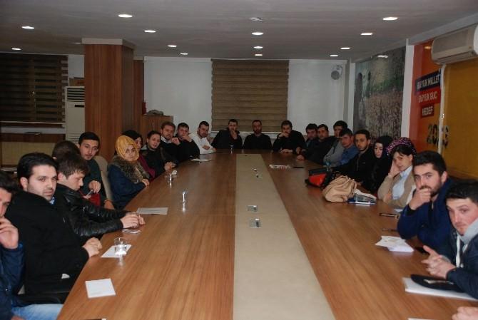 AK Parti Düzce Gençlik Kolları İlk Toplantısını Yaptı