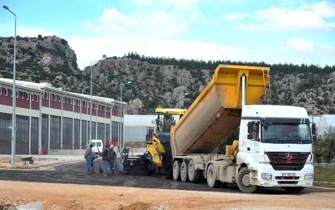 Varsak Sanayi'nin Asfalt Çalışmaları Tamamlandı