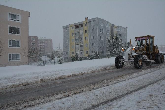 Körfez'de Kar Çalışmaları Devam Ediyor