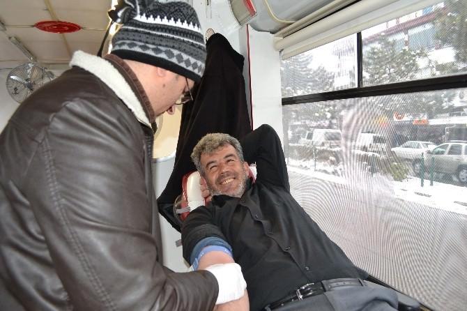 Niğde'de Günlük 70 Kişi Kan Bağışı Yapıyor