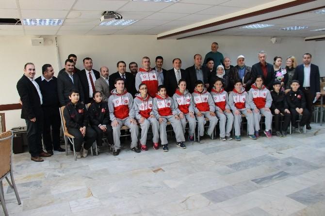 AK Partili Kahraman'dan Sporcu Ve Engellilere Destek Sözü