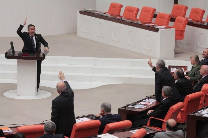 CHP'li Özkes İle AK Parti'li Korkmaz Arasında Belam Tartışması