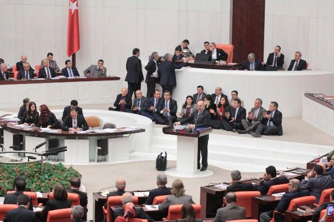 HDP'li Milletvekilleri Genel Kurul'da Oturma Eylemi Başlattı