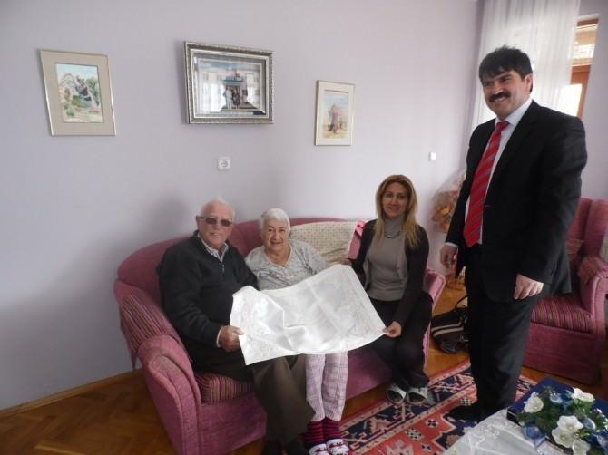 Hem Müdürü Taşkan, Hayırsever Soyiç Çiftini Evinde Ziyaret Etti