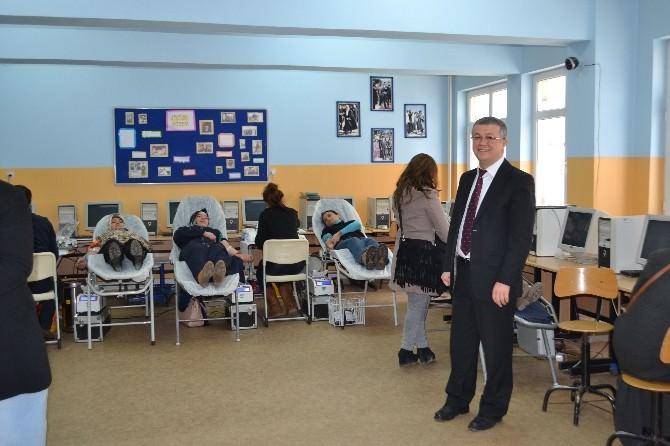 Öğretmen Ve Veliler Çerkezköy'de Kan Bağışında Bulundu