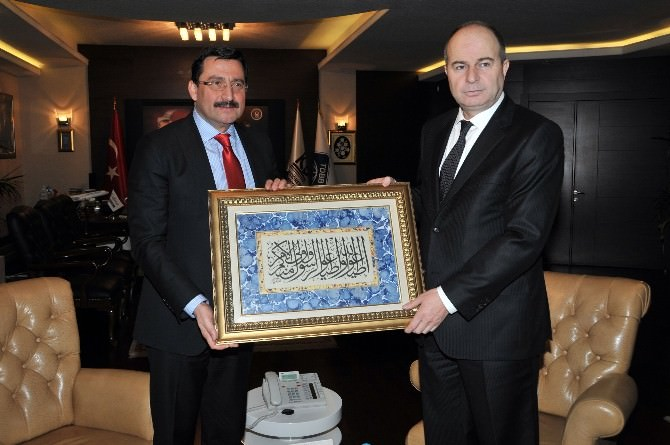 Vali Kılıçlar'dan Başkan AK'a Nezaket Ziyareti
